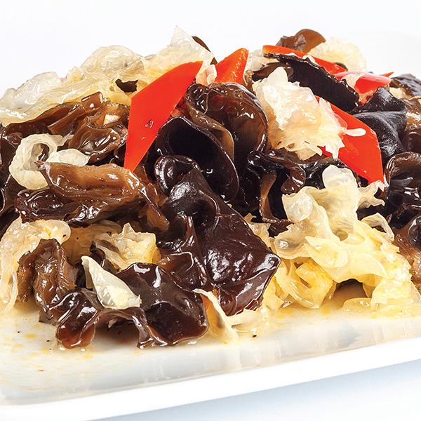 A-7 Kiniškų juodųjų ir baltųjų grybų salotos