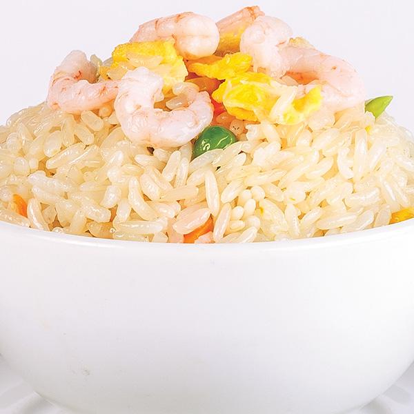 N-4 Kepti ryžiai su daržovėmis, kiaušiniu ir krevetėmis